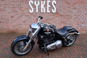 2018 Harley-Davidson FLFBS Softail Fat Boy 114, Stage One, In Vivid Black thumb 1