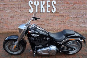 2018 Harley-Davidson FLFBS Softail Fat Boy 114, Stage One, In Vivid Black thumb 0