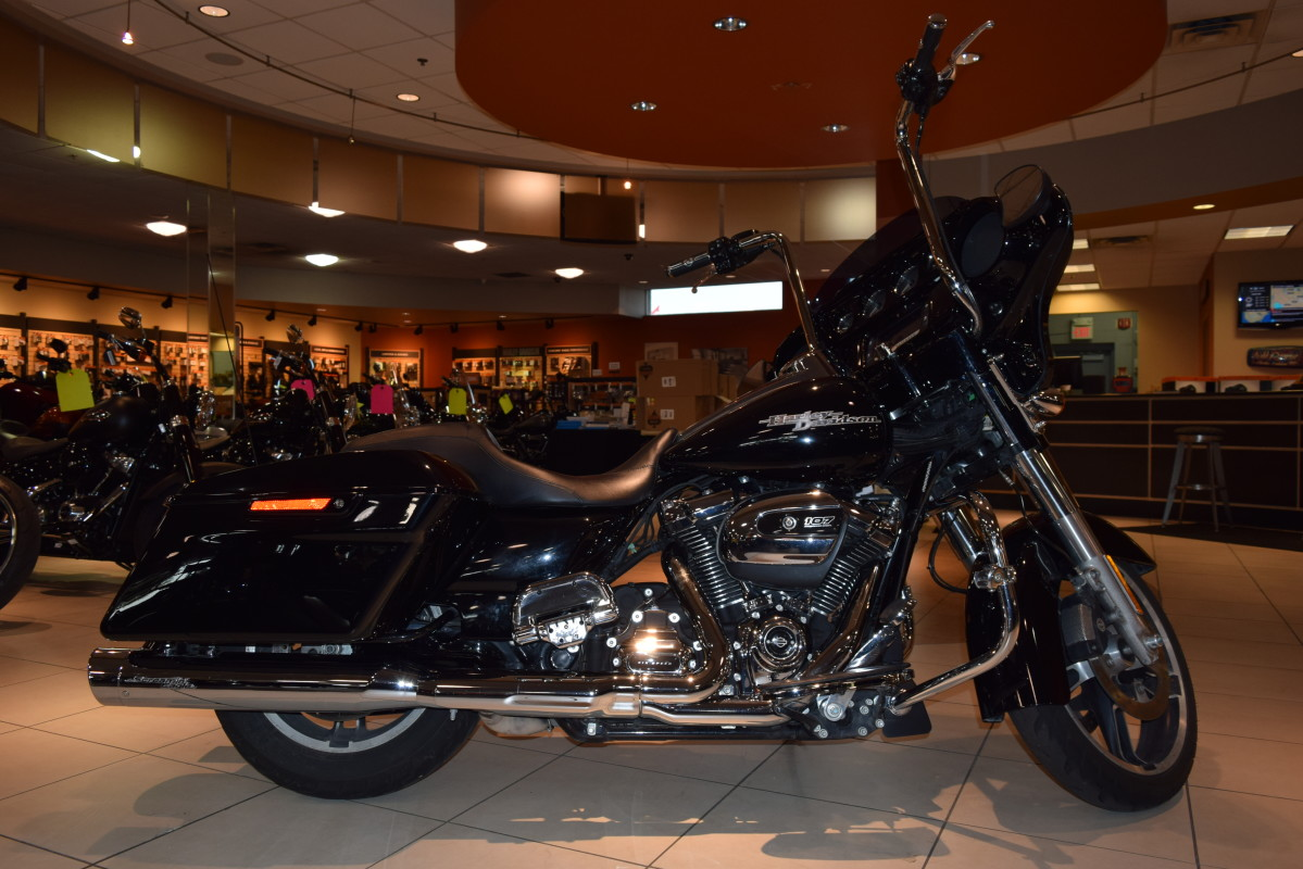 2017 Harley-Davidson Street Glide Special Touring FLHXS