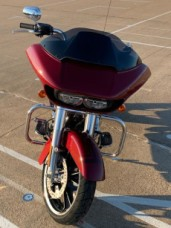 FLTRX 2020 Road Glide<sup>®</sup> thumb 2