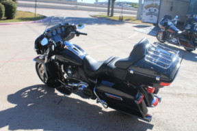2014 HARLEY-DAVIDSON® Electra Glide<sup>®</sup> Ultra Limited FLHTK thumb 0