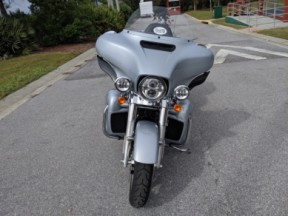 Harley-Davidson<sup>®</sup> 2020 Ultra Limited thumb 1