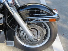 Harley-Davidson<sup>®</sup> 2007 Electra Glide® Ultra Classic® thumb 2