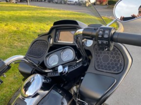 Used 2017 Road Glide® Ultra thumb 1