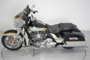2012 FLHTCUSE7 CVO Ultra Classic Electra Glide thumb 0