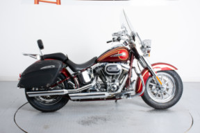 FLSTNSE 2014 CVO<sup>™</sup> Softail Deluxe<sup>®</sup> thumb 0