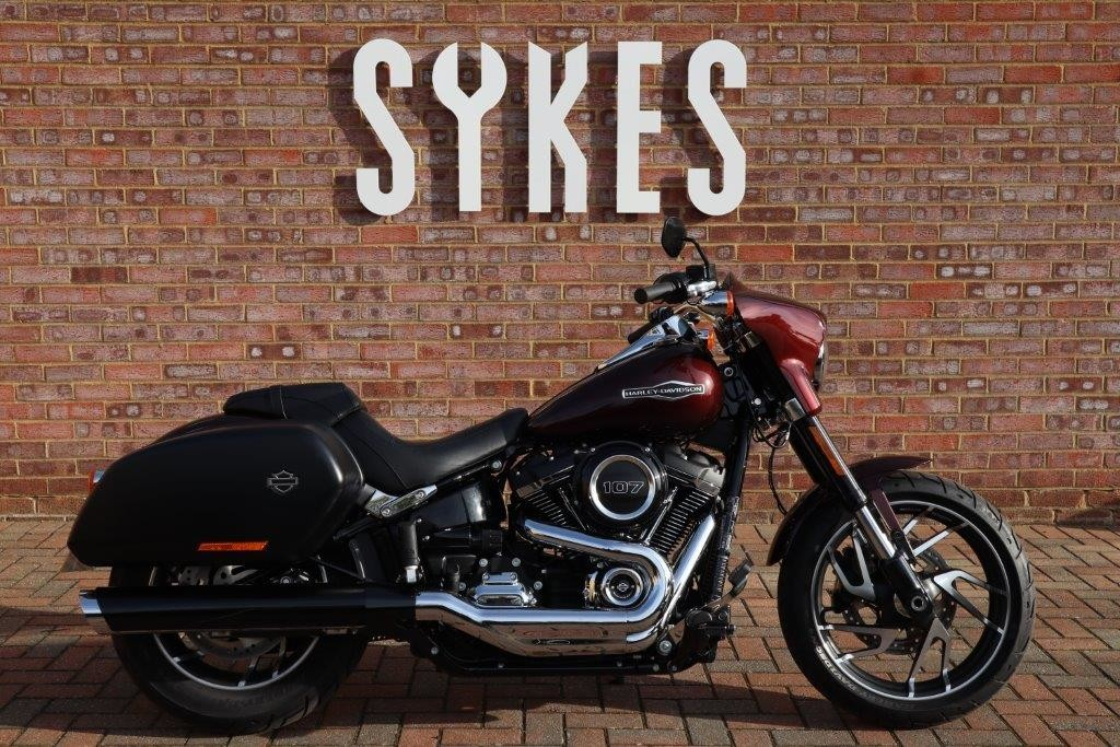2018 Ex-Demo Harley-Davidson FLSB Softail Sport Glide in Twisted Cherry