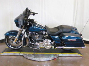 2020 Street Glide® FLHX with RDRS thumb 2
