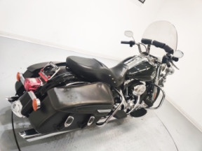 2009 Harley-Davidson FLHRC Road King Classic thumb 3