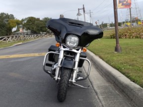 Harley-Davidson<sup>®</sup> 2020 Electra Glide<sup>®</sup> Standard thumb 2