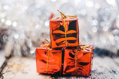 Last Minute Christmas Gifts and Ways to Spend Your Loyalty Points