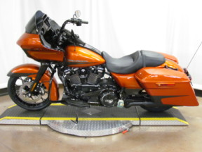 2020 Street Glide Special FLTRXS thumb 2
