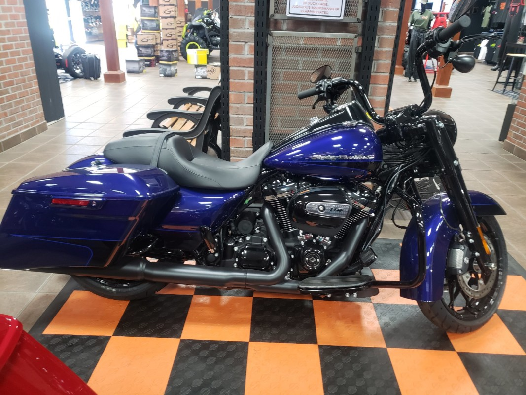 Harley-Davidson® Road King® Special 2020 FLHRXS 615179 ZPHR BLU/BLKGLO W/PINST