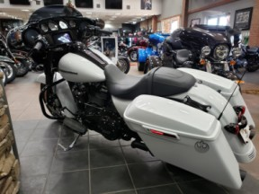 Harley-Davidson® Street Glide® Special 2020 FLHXS 613134 STNWSHD WHT PRL thumb 1