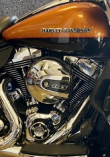 Amber Whiskey/Vivid Black 2015 Harley-Davidson® Ultra Limited thumb 1