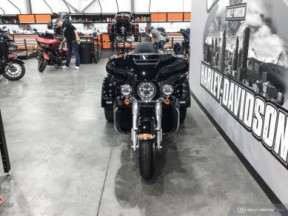 *** PRICE REDUCED *** 2019 FLHTCUTG Tri Glide<sup>®</sup> Ultra thumb 1