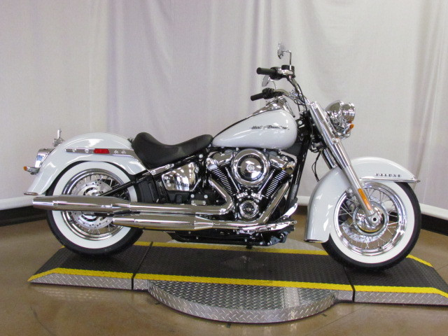 2020 Softail Deluxe FLDE