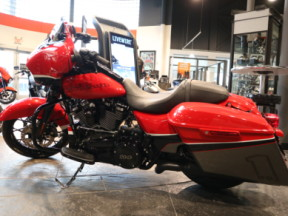 FLHXS 2020 Street Glide<sup>®</sup> Special thumb 3