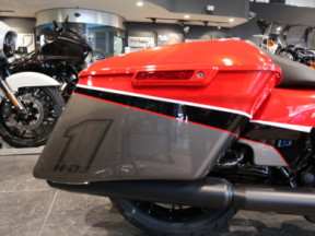 FLHXS 2020 Street Glide<sup>®</sup> Special thumb 0