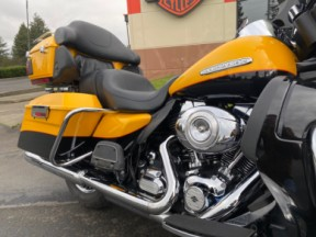 2013 Harley-Davidson® Electra Glide® Ultra Limited thumb 2