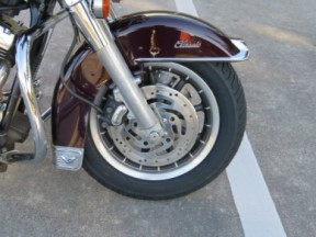 Harley-Davidson<sup>®</sup> 2005 Electra Glide® Classic thumb 3
