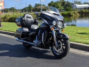 Harley-Davidson<sup>®</sup> 2016 Ultra Limited Low thumb 3