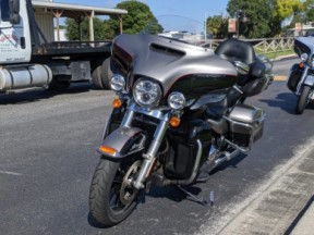 Harley-Davidson<sup>®</sup> 2016 Ultra Limited Low thumb 1