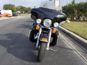 2013 Harley-Davidson® Ultra Classic® Electra Glide® thumb 2