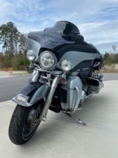 2012 Harley-Davidson® Electra Glide® Ultra Limited thumb 1