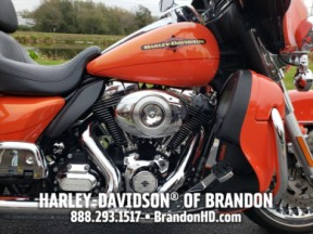 2012 Harley-Davidson® Electra Glide® Ultra Limited thumb 2