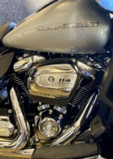 Barracuda Silver 2020 Harley-Davidson® Ultra Limited thumb 2
