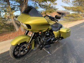 2020 FLTRXS Eagle Eye Road Glide<sup>®</sup> Special thumb 0