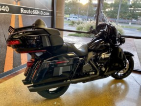Vivid Black 2020 Harley-Davidson® Ultra Limited thumb 1