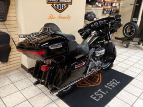 2020 Harley-Davidson® Ultra Limited thumb 2