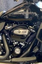 Vivid Black 2020 Harley-Davidson® Ultra Limited thumb 2