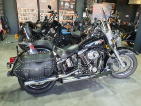 Harley Davidson Heritage Softail Classic thumb 2