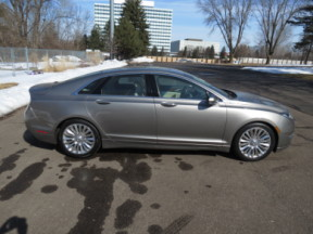 2015 Lincoln MKZ 4dr Sdn FWD thumb 2