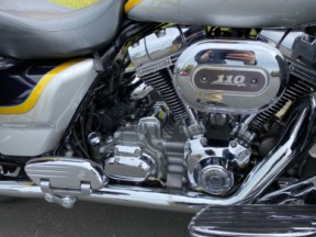 2012 CVO Ultra Classic Electra Glide thumb 1