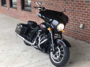 FLHT 2019 Electra Glide<sup>®</sup> Standard thumb 1