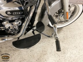2016 Heritage Softail® Classic thumb 3