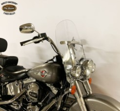 2016 Heritage Softail® Classic thumb 2
