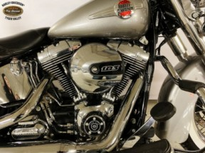 2016 Heritage Softail® Classic thumb 0
