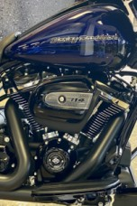 Zephyr Blue/Black Sunglo 2020 Harley-Davidson® Street Glide® Special thumb 2
