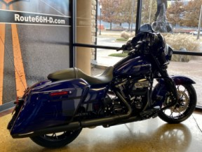 Zephyr Blue/Black Sunglo 2020 Harley-Davidson® Street Glide® Special thumb 1