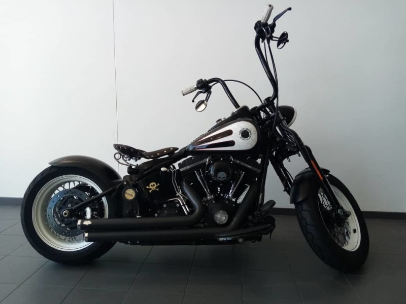 2000 Softail Cross Bones™