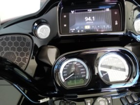 2020 Road Glide Limited – Black Option thumb 1