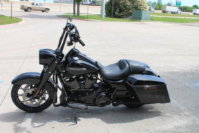 2020 Harley-Davidson<sup>®</sup> Road King<sup>®</sup> Special FLHRXS thumb 0