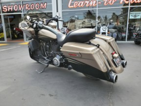 FLTRXSE2 2013 CVO™ Road Glide® Custom thumb 2