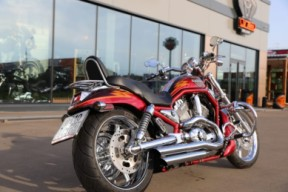 2005 CVO V-ROD thumb 2