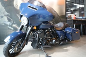 2019 Street Glide Special 114 thumb 3